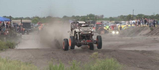 Jeep Mud Racer Upright