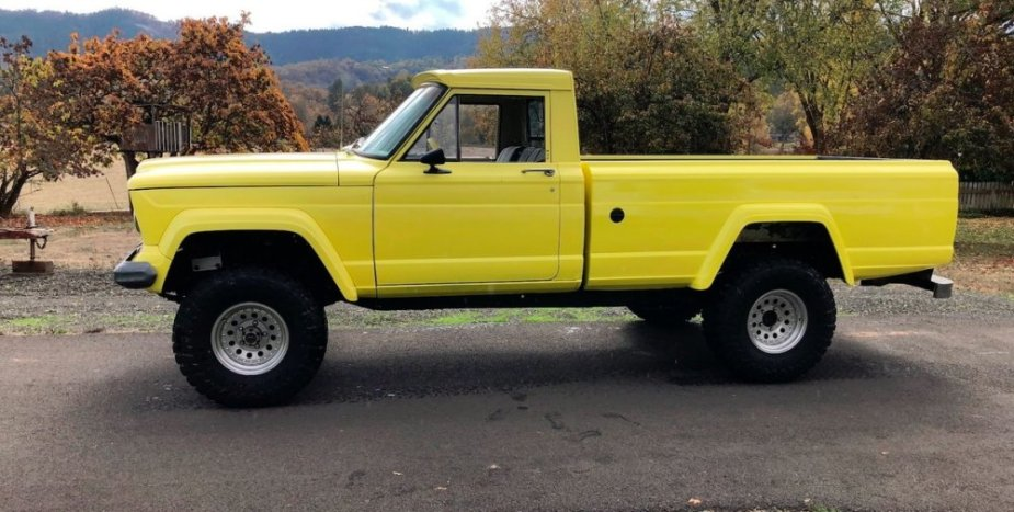 1965 Jeep J300 Gladiator Side