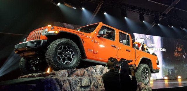 Jeep Gladiator Rubicon Low Side
