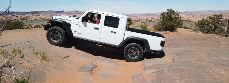 Jeep Gladiator Vs Chevy Bison