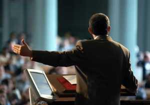 crowd.preaching