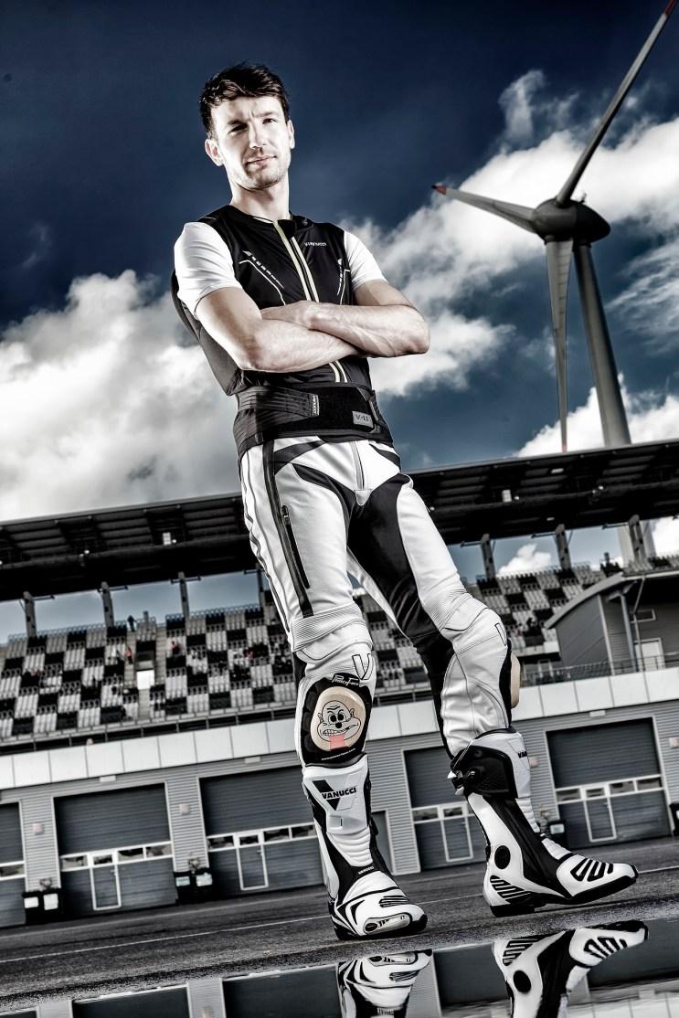 Maxneukirchner, Lausitzring, Shooting Rückenprotektoor, T-Shirt Katalog 2014
