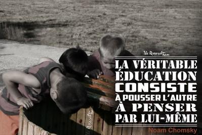 Aude, France. Trois jeunes enquêtent au fond d'une presse à la cave de Massac.