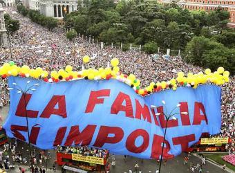 Manifestacion_Madrid_junio_2005_convocada_Foro_Familia