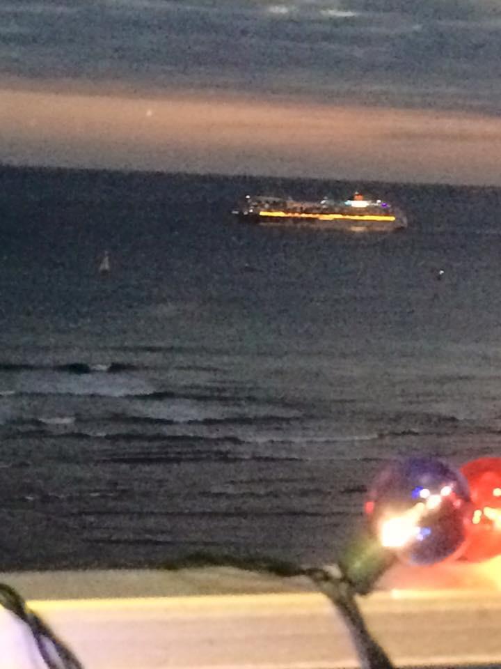Hawaii boat cruise at night
