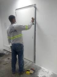 Atualização 1 - Instalação de porta na Codema Scania de Sorocaba