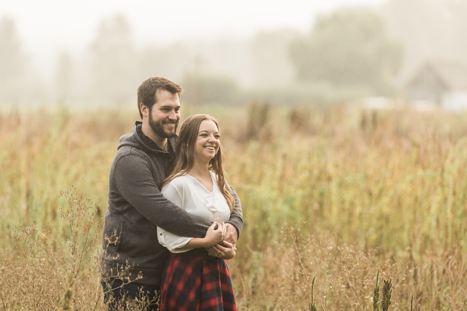 snohomish engagement photos in the rain