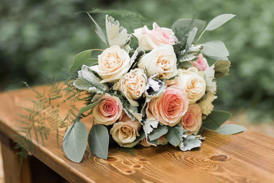 Beatiful flower arrangement at Twin Willow Gardens in Snohomish. Photographs by Joanna Monger Photography, Award Winning Snohomish Wedding Photographer.