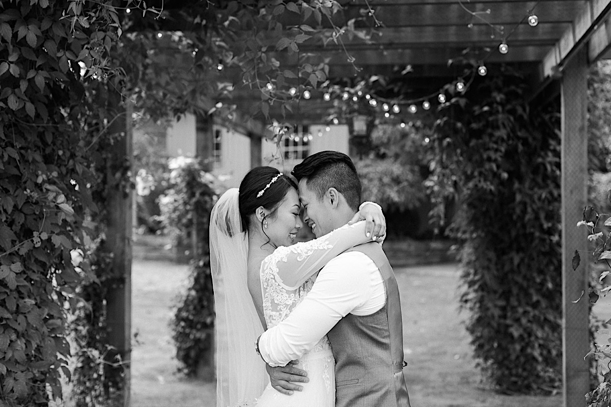 Close cuddles at Craven Farms in Snohomish. Photos by Joanna Monger Photography, Snohomish and Woodinville Wedding Photographer.