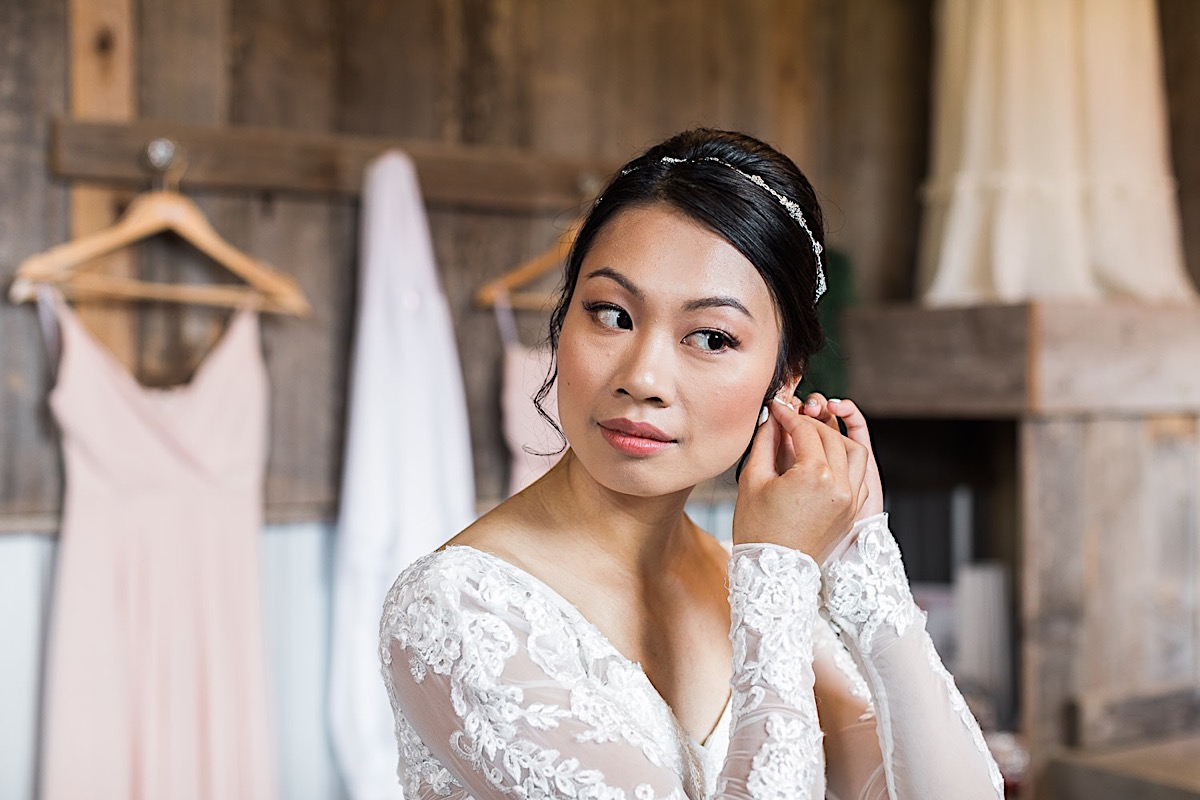 The bride gets ready at Craven Farms in Snohomish. Photographs by Joanna Monger Photography, Snohomish's Best Wedding Photographer.