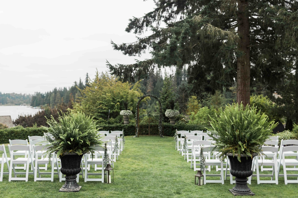 Beautiful ceremony space at Green Gates at Flowing Lake. Photos by Joanna Monger Photography, Snohomish and Seattle Wedding Photographer.