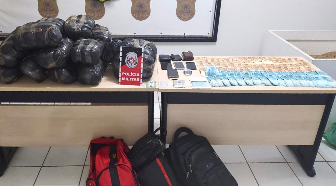 Polícia Militar prende suspeitos de tráfico interestadual e apreende com eles mais de 22 kg de maconha, em Santa Luzia