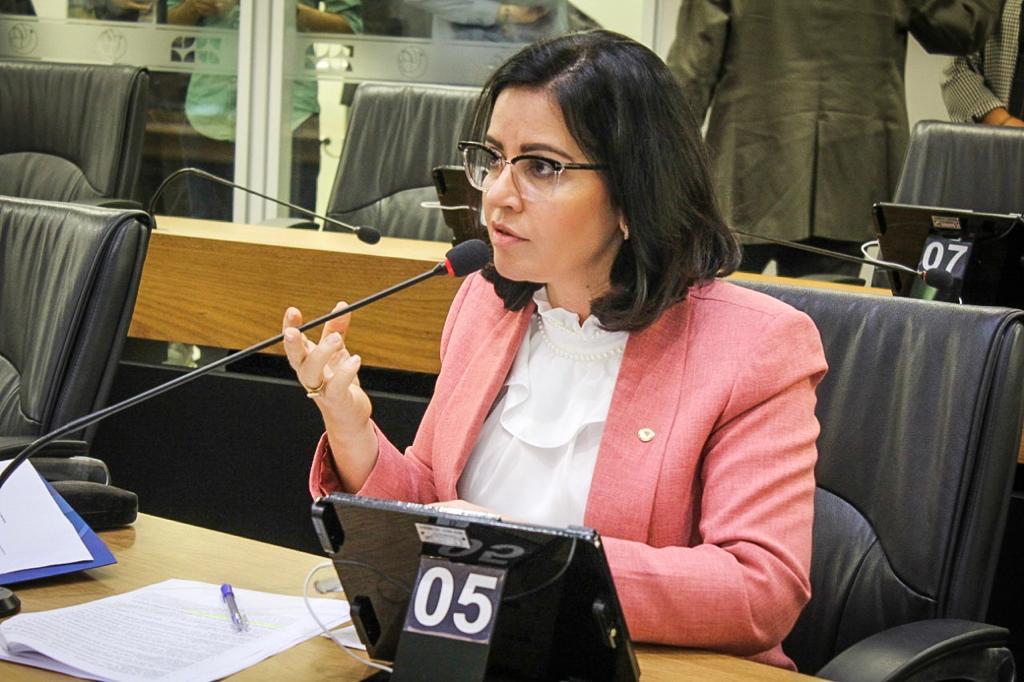 Outubro Rosa: Pollyanna Dutra cobra intensificação das ações de prevenção ao câncer de mama na PB _Parlamentar destaca previsão de casos para 2020, pedindo atenção do estado com as mulheres paraibanas