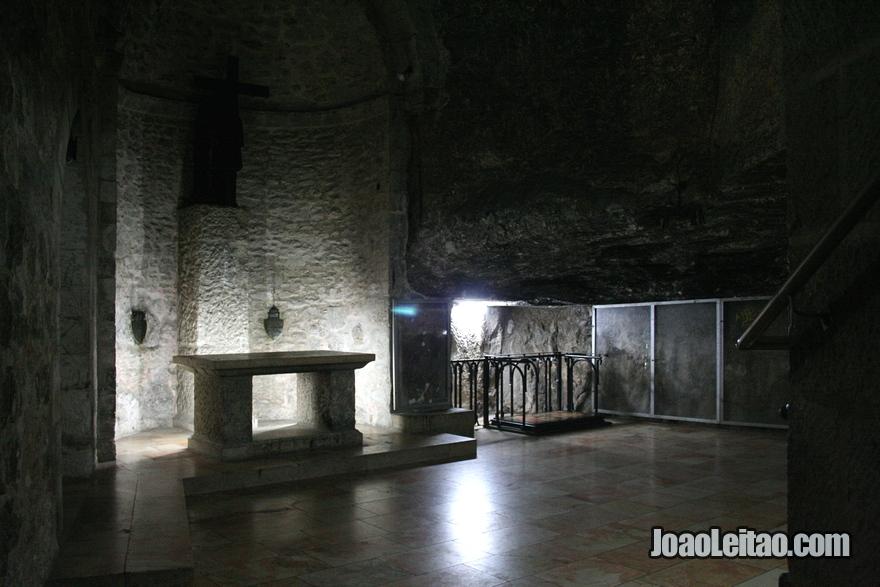Local chamado de Prisão de Cristo, sendo o local da prisão de Jesus