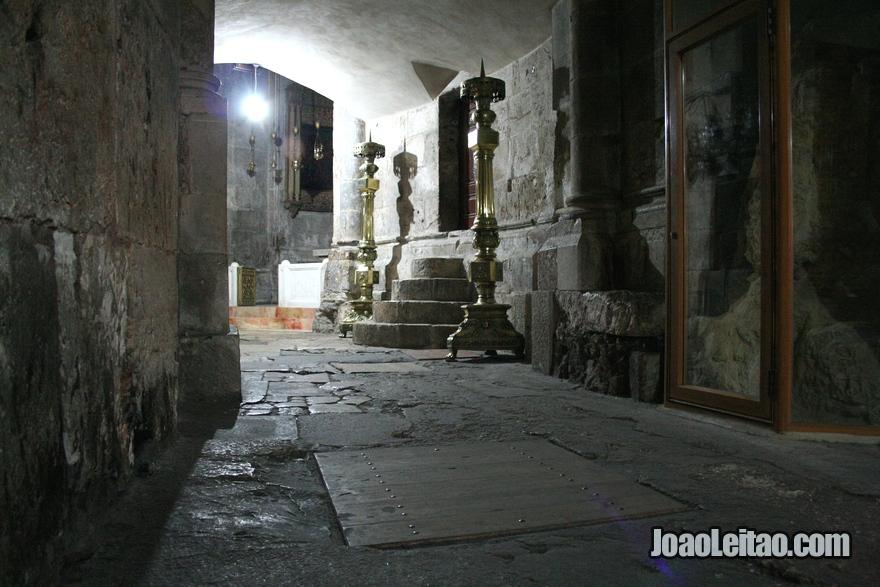 Calvário é o nome dado à colina na qual Jesus foi crucificado