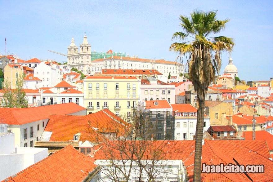 Foto do Palácio Nacional da Ajuda e do Panteão Nacional em Lisboa