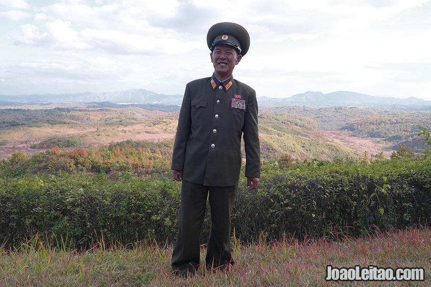 Visita guiada com um veterano de guerra coreano