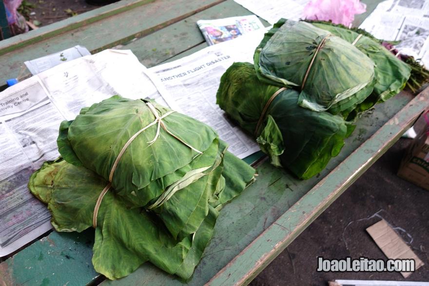 Ver folhas de taro no mercado e não saber para que servem