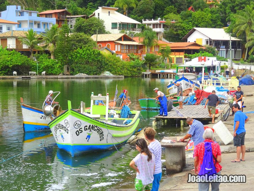 O porto de pesca da Barra da Lagoa em Florianópolis