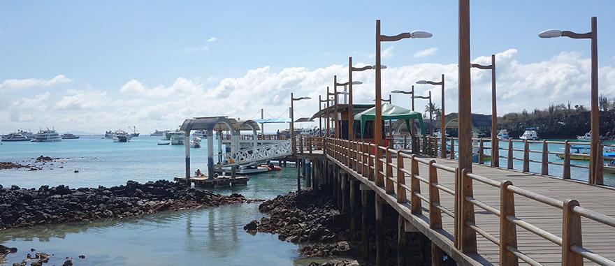 Porto de Puerto Ayora na Ilha de Santa Cruz, nas Galápagos