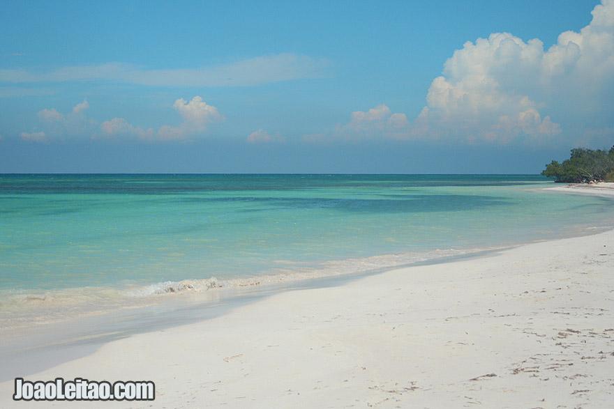 Cayo Jutias Beach in Bahia de Santa Lucía