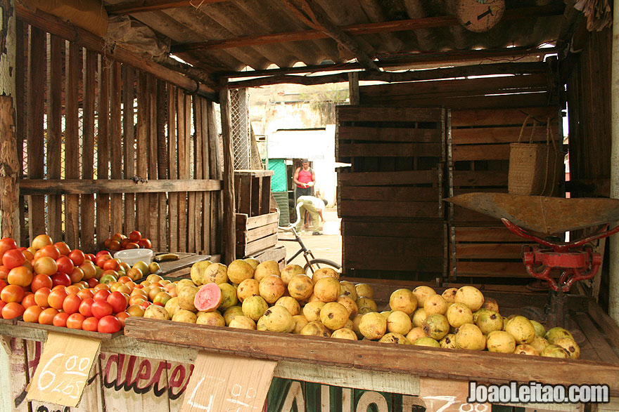 Small fruit shop in Cuba