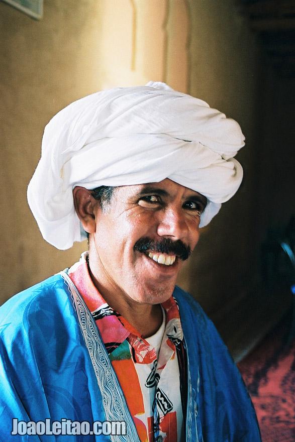 Photo of man with white turban in Sahara Desert, Morocco
