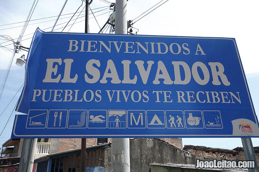 El Salvador border welcome sign - Central America