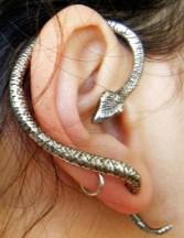 snake_ear