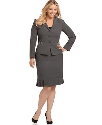 What do big women wear for an interview?