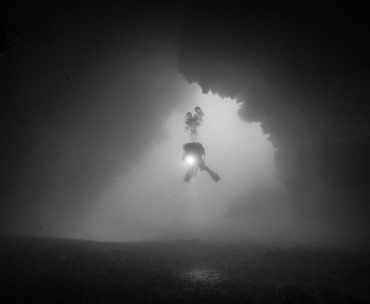 Diving Krk, monochrome