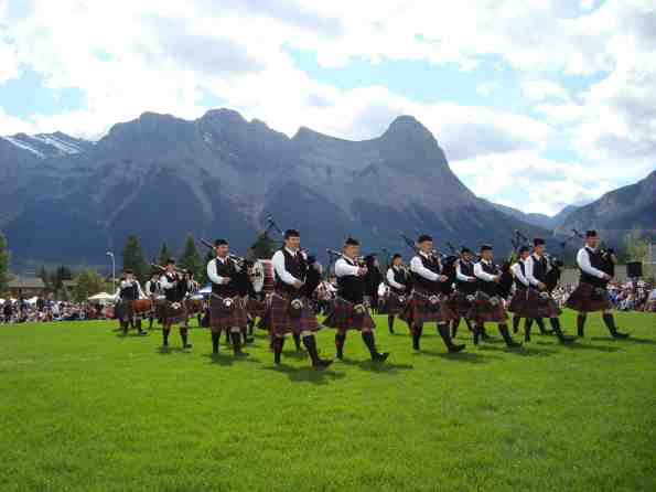 Bagpipers mountain