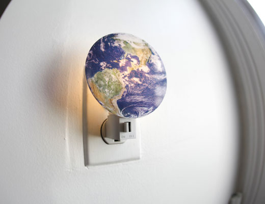 planet night light