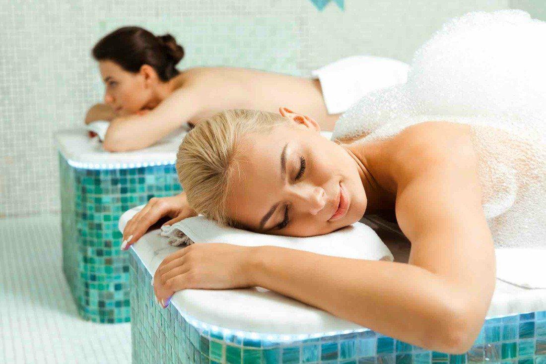 women's spa treatment room