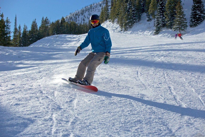 snowboarding castle mountain