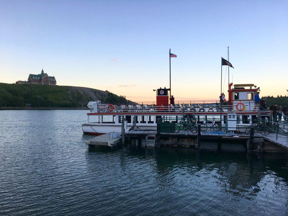 Waterton lake cruise