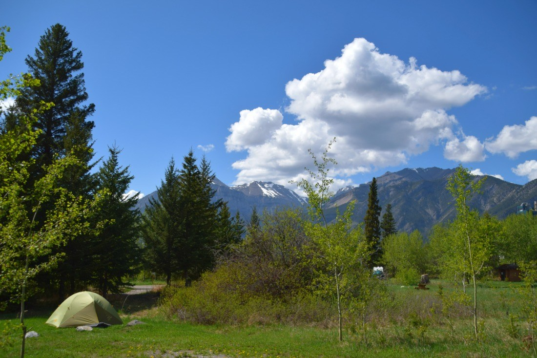 lac des acres camping canmore