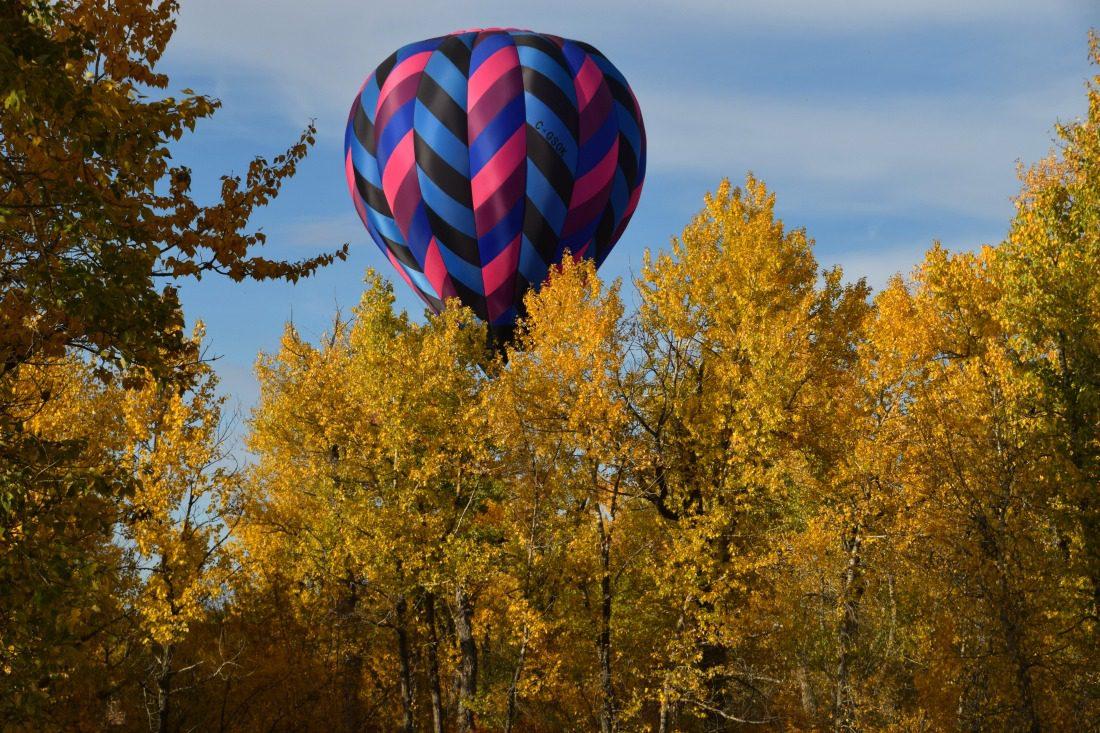 fall hot air balloon ride