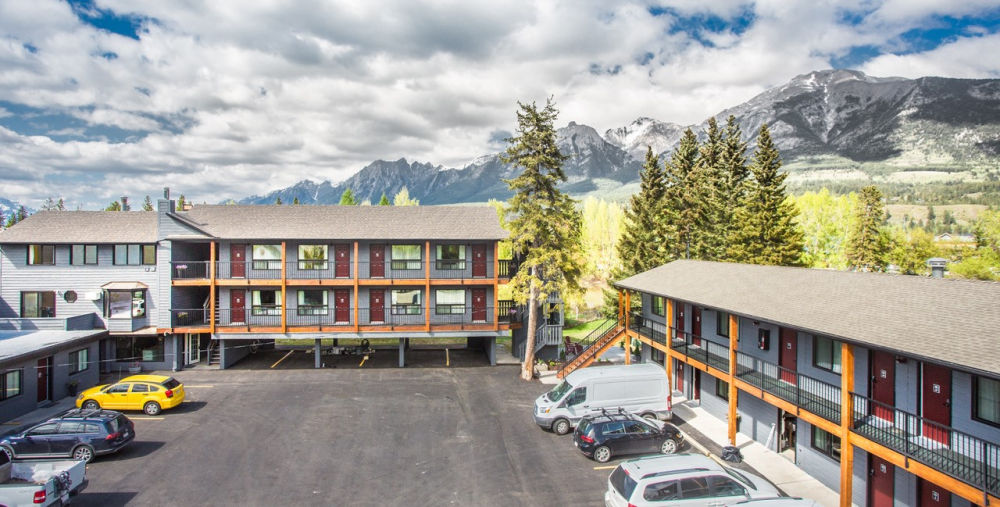 lamphouse hotel canmore