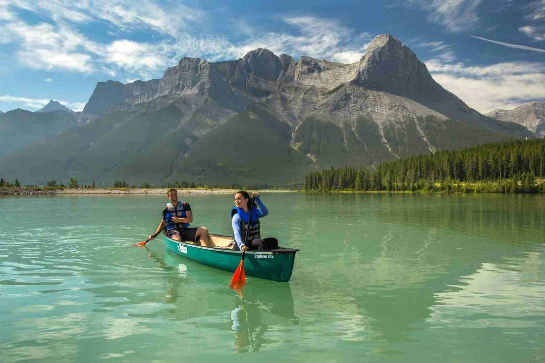kayaking and canoeing near calgary