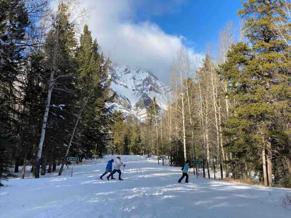 cross country skiing in banff