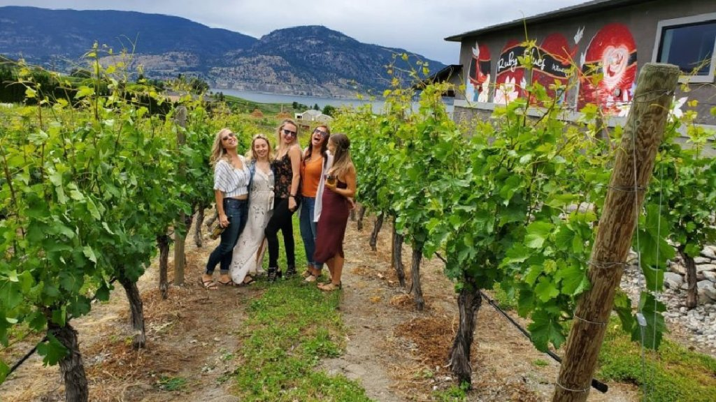 naramata bench wine tours