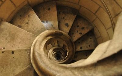 Barcelona, Sacrada Familia, trappenhuis in de vorm van een slakkenhuis