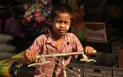 Myanmar, Kawa, markt