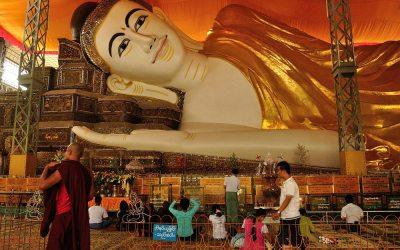 Myanmar, Bago, Liggende Boeddha van Shwethalyaung