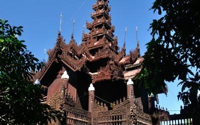 Myanmar, Mandalay, Shwenandaw Kyaung Klooster