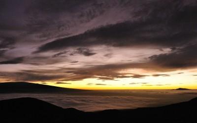 Na zonsondergang vanaf Mauna Loa Schildvulkaan, Big Island, Hawaii, 2011