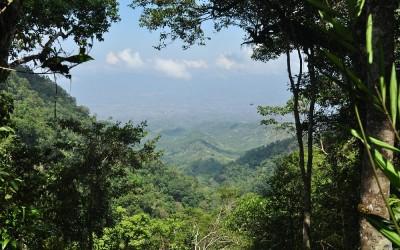 Hike vanuit Bajawa naar Ngada dorp Belahragi, Flores, Indonesië, 2012