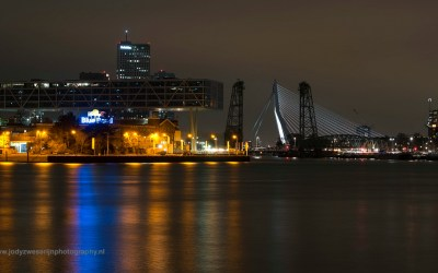 Skyline Rotterdam met Erasmusbrug, Nederland, 19-3-2016