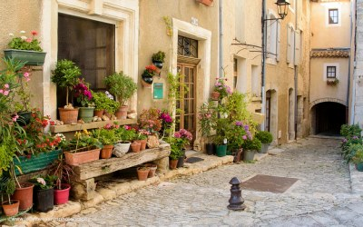 Straatje in Saint Saturnin les Apt, Provence, Frankrijk, 9-7-2016